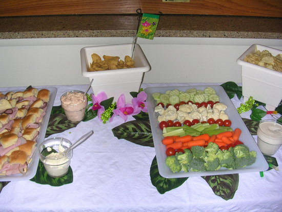 Close up of Food table (we did the veggies ourself)