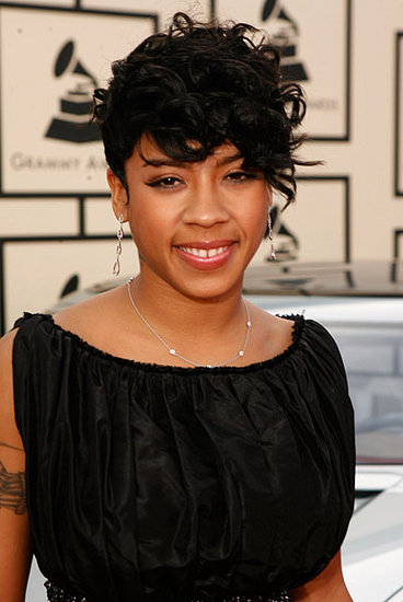 Keyshia Cole, who is nominated for two Grammys, looks very elegant tonight.