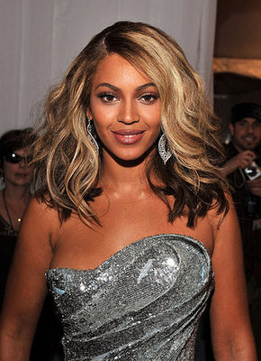 Beyonce's Hair and Makeup at the 2008 Grammys | POPSUGAR Beauty