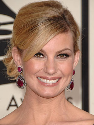 faith hill hairstyle. If you ask me, anybody who wants to retouch Faith's photo must have a thing
