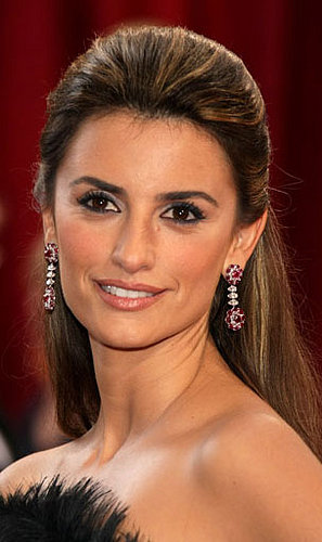 penelope cruz makeup. Looking at Penelope Cruz
