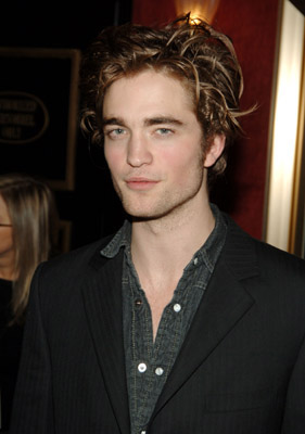 http://images.teamsugar.com/files/upl0/3/32916/04_2008/robert%20pattinson.jpg