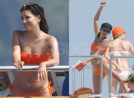 71008 Eva Longoria That blue villain dude from Kim Possible is really having the time of his ...