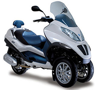 piaggio hybrid electric scooter popsugar tech. Black Bedroom Furniture Sets. Home Design Ideas
