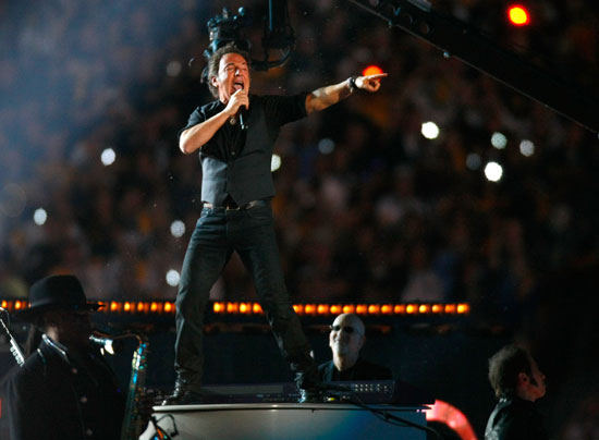 springsteen super bowl essay Adventurous, insightful, bookmovement's reading guide includes discussion questions, plot summary, reviews and ratings and suggested discussion questions from our.