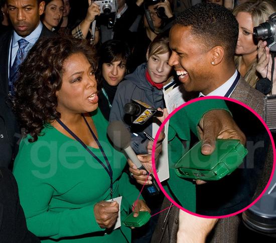 c5b996c3b325895c Oprah Winfrey Cell Phone 6b15818dceahamas.jpg Carrie Underwood: Bahamas Bikini Babe