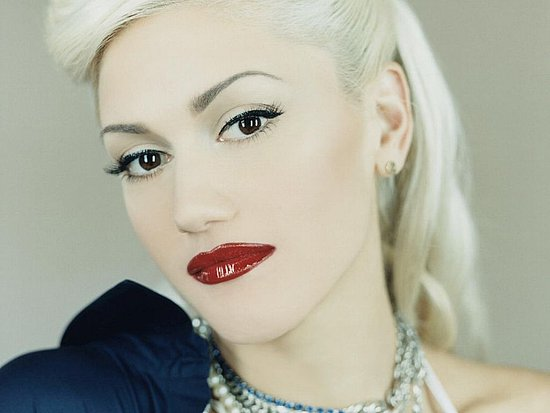 http://images.teamsugar.com/files/upl1/11/115464/02_2009/554d2ce9ce7b150d_Gwen-Stefani-16.preview.JPG