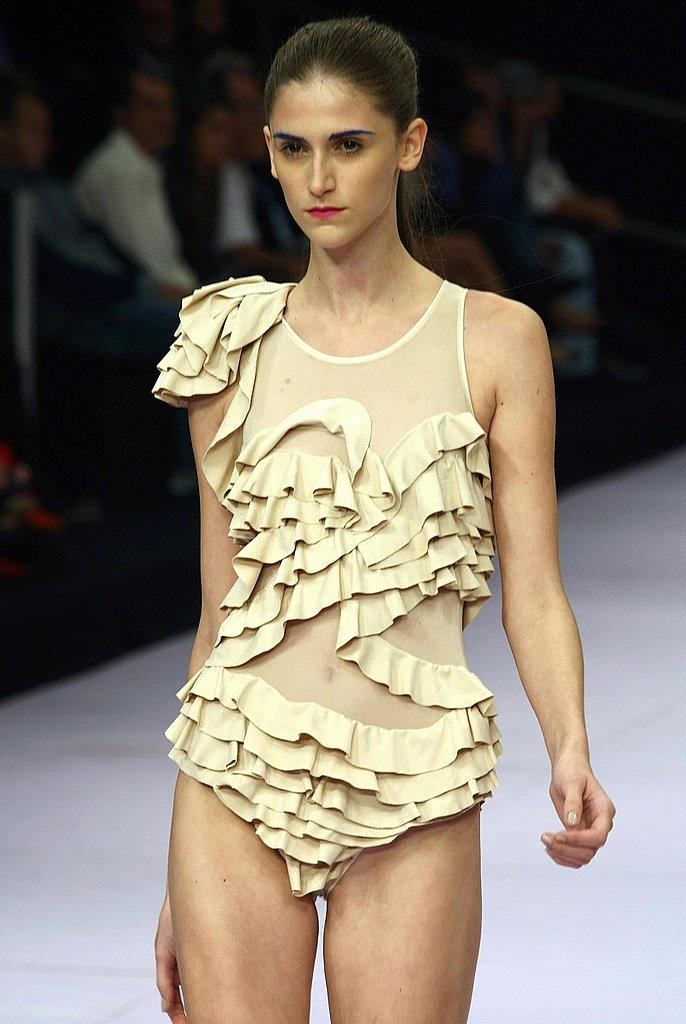 Luiza Bonadimam Spring 08/09 Fashion Show Gallery | coutorture -