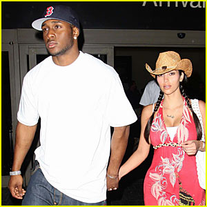 Reggie Bush  Kardashian on Reality Tv Star Kim Kardashian And Her Main Man  Nfl Star Reggie Bush