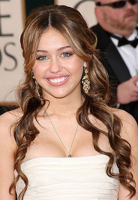 http://images.teamsugar.com/files/upl1/2/20652/02_2009/9c9496d165410012_miley-cyrus.xlarger.jpg