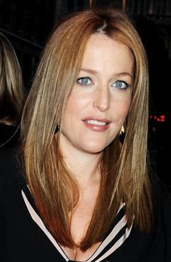... and Alienate People, actress Gillian Anderson looked gorgeously glowing.