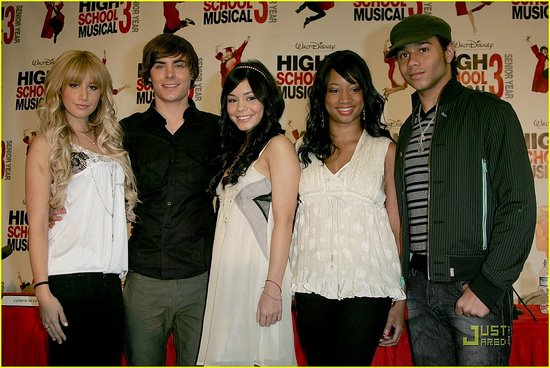 http://images.teamsugar.com/files/upl1/25/259289/18_2008/high-school-musical-3-press-conference%206.preview.jpg
