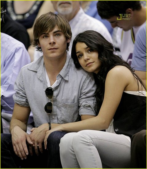 vanessa hudgens and zac efron kissing. vanessa hudgens kissing zac efron at. Zac amp; Vanessa: Kissing on the; Zac amp; Vanessa: Kissing on the. Sethii. Apr 10, 04:15 AM. So simple as that ?