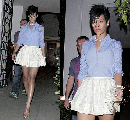... she wore a Twenty8Twelve mini linen skirt, nude sandals, and matching ...