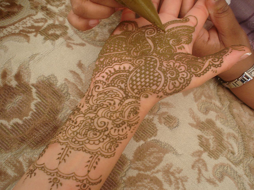 Marvelous mehndi: Beautiful bridal henna designs · Padma Lakshmi's jewelry