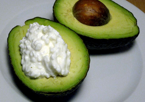 72468dd777e471da_cottage-cheese-avocado.