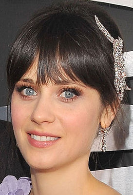 http://images.teamsugar.com/files/upl2/2/20652/06_2009/19b777dfafe8e39b_Zooey-Deschanel-Grammys-09.xlarger.jpg