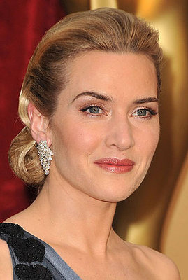 http://images.teamsugar.com/files/upl2/2/20652/09_2009/231cdf760df9b92b_kate-oscars-hair.xlarger.jpg