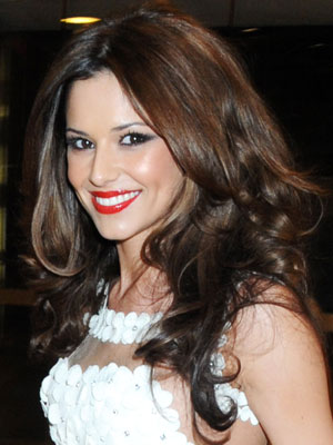 Are you a fan of Cheryl's hair and makeup tonight?