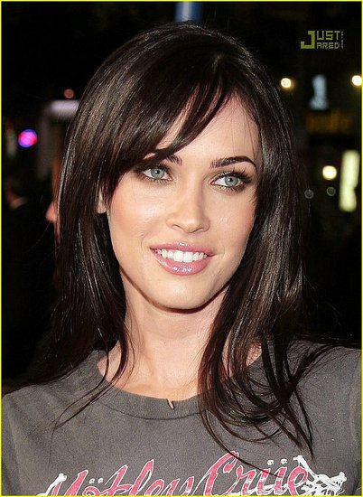 megan-fox-juno-premiere-01.preview.jpg