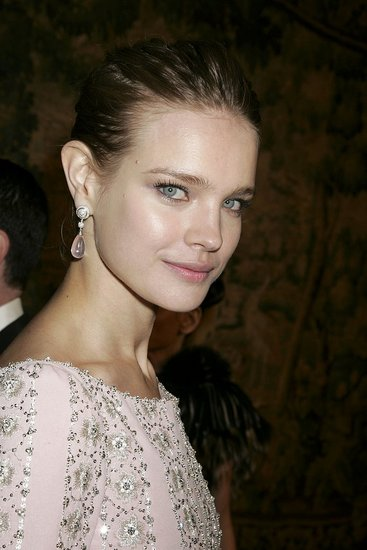 http://images.teamsugar.com/files/users/1/11538/47_2007/90994_celebutopia_Natalia_Vodianova_-_The_7th_On_Sale_Black_Tie_Gala_Dinner_151107_05_123_1131lo.preview.jpg