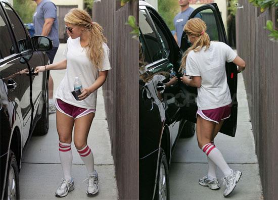 Carrie Underwood Fashion Photo
