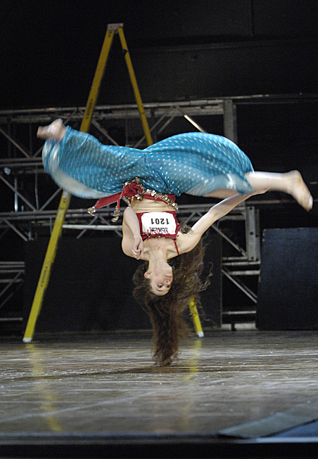 http://images.teamsugar.com/files/users/1/13839/21_2007/NYupsidedownSYTYCD_NYC_0275.jpg