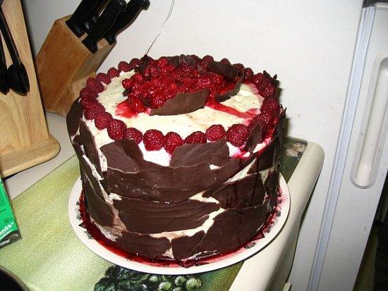 raspberry chocolate cake recipe,chocolate raspberry mousse cake,chocolate raspberry bundt cake,easy chocolate raspberry cake,homemade chocolate cake
