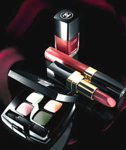 Chanel Fall 2007 Exclusive Collection | BellaSugar - Beauty, Hair, & Skin. :  fall colors 2007 gold bellasugar