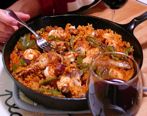 http://images.teamsugar.com/files/users/2/23865/37_2007/Paella.jpg