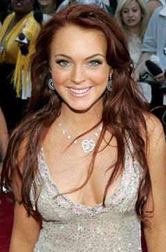 lindsay lohan boobs
