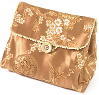 Pleated Pouch Clutch with lid 2