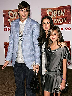 Ashton kutcher dating stepdaughter
