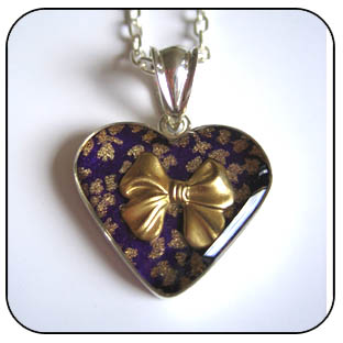 Pretty things tied with a bow (purple) Heart pendant