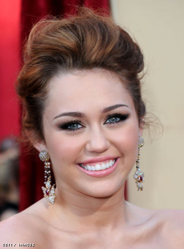 Miley Cyrus Prom hairstyles Trendy Short Prom Hairstyles Ideas for 2010