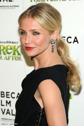 cameron diaz hairstyles 2011. Cameron DIaz looks great with