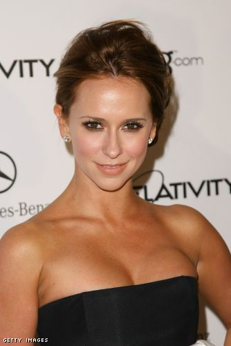 jennifer love hewitt cleavage