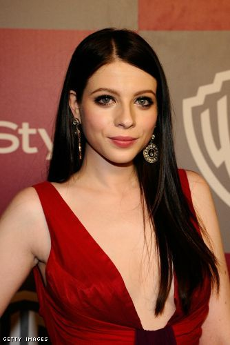 Michelle Trachtenberg cleavage