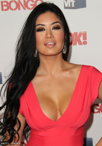 Kim Lee cleavage