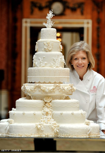 The 8-tiered cake is estimated to have taken Fiona Cairns and her team five weeks to make!
