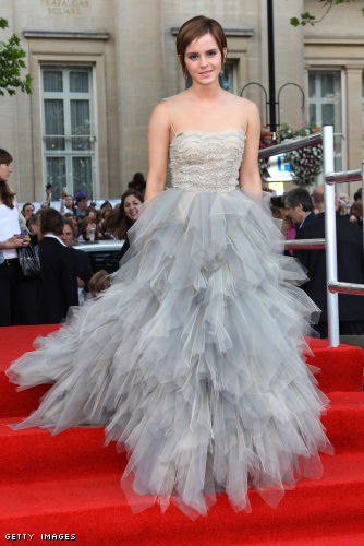 Emma wears Oscar de la Renta @ the Harry Potter And The Deathly Hallows Part 2 - World Premiere