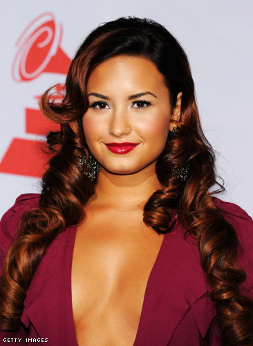 Demi Lovato cleavage