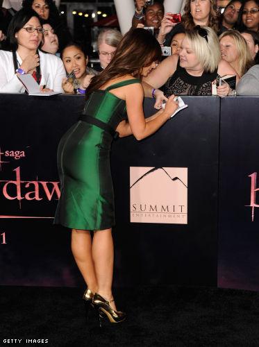 Jennifer Love Hewitt legs