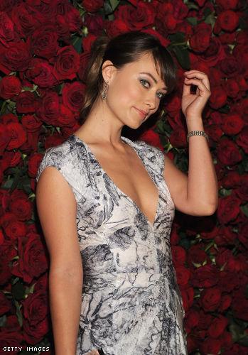 Olivia Wilde cleavage