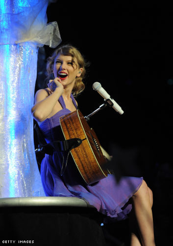 Taylor Swift Speak Now World Tour In New York City - November 22, 2011