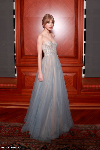 Taylor Swift in Reem Acra @ The Harmony Award At The Nashville Symphony Ball - DEC 10