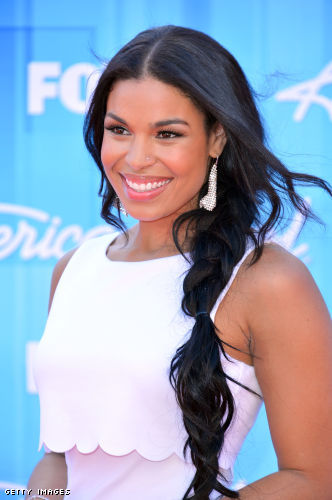 Outfit Identifier: Jordin Sparks' Dress and Sandals at the
