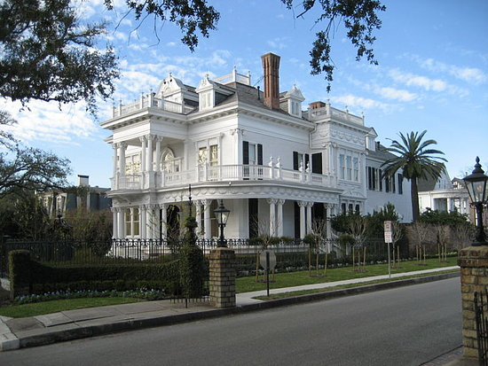 the wedding cake house st charles ave new orleans coveted crib the wedding cake house popsugar home 20900
